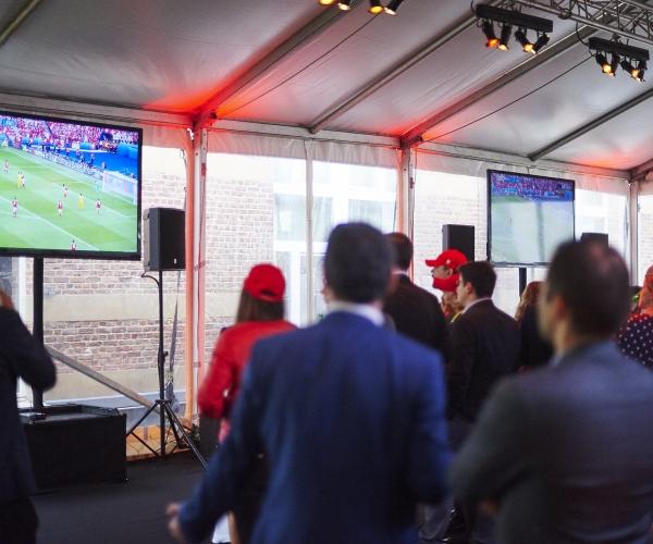 Soir e foot chambre de commerce suisse pour la belgique for Chambre de commerce suisse
